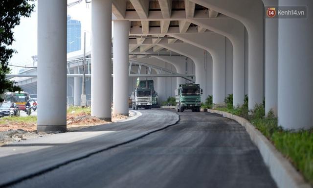 Cận cảnh cầu cạn Mai Dịch - Nam Thăng Long đã rải nhựa xong chờ ngày thông xe - Ảnh 15.