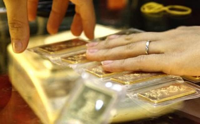 Giá vàng hôm nay 24-9: Giảm mạnh, giới đầu tư bán tháo  - Ảnh 1.