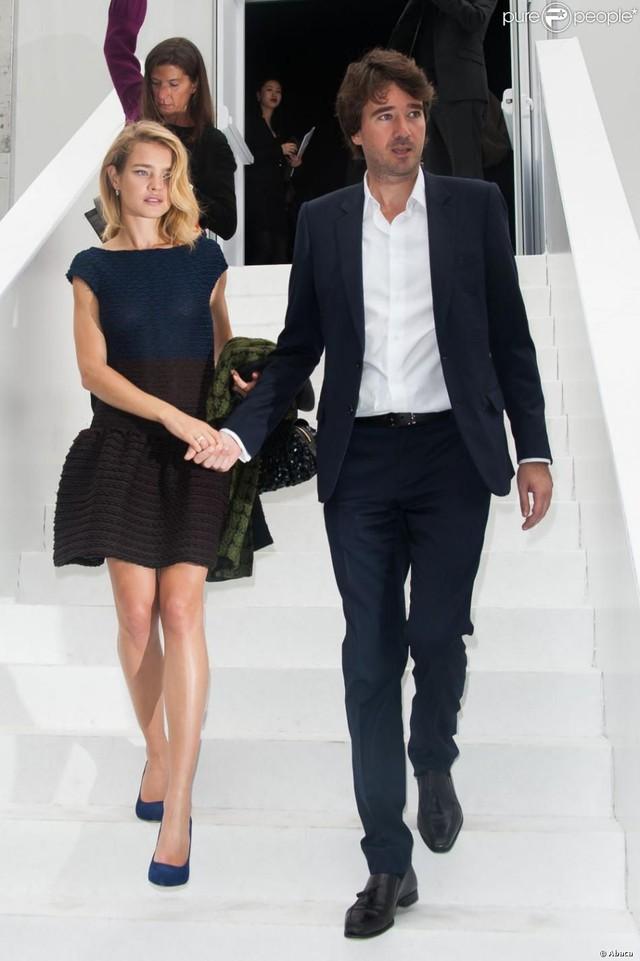 """Cái kết đẹp cho chuyện tình nổi tiếng của làng mốt thế giới: """"Thái tử Louis Vuitton"""" dùng gần 10 năm chân tình mới đổi được cái gật đầu của bà mẹ 5 con  - Ảnh 15."""