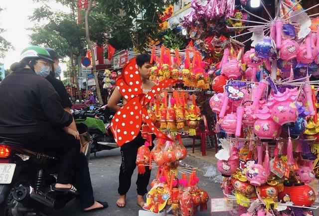 Thị trường lồng đèn Tết Trung thu: Hàng Việt chiếm ưu thế  - Ảnh 2.