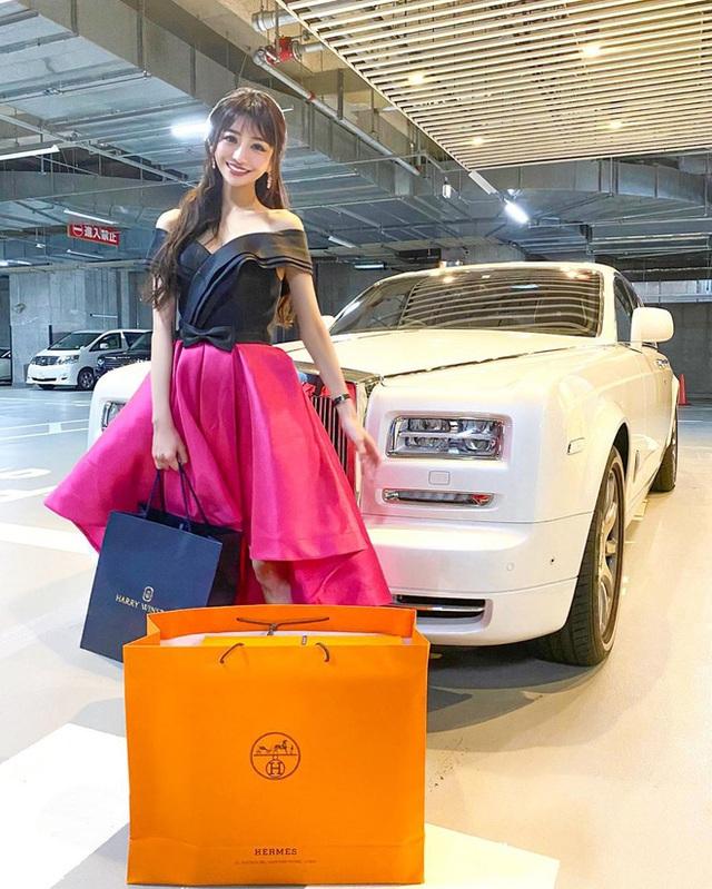 Choáng với cuộc sống của mẫu nữ kiêm Geisha số 1 Nhật Bản: Hàng hiệu xa xỉ, thu nhập 44 tỷ/năm, quyết nghỉ hưu ở tuổi 32 - Ảnh 12.