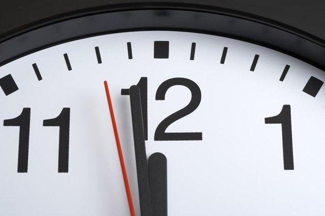 Điều gì xảy ra trên Internet trong 1 phút? 3,8 triệu lượt Google, 211.000 ảnh trên Facebook và 208.000 cuộc họp qua Zoom - Ảnh 2.