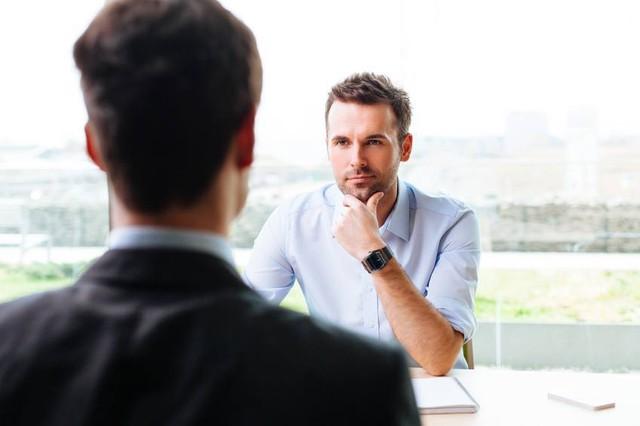 Muốn khách hàng hài lòng, người làm dịch vụ không thể bỏ qua 9 đặc điểm giao tiếp phi ngôn từ quan trọng - Ảnh 1.