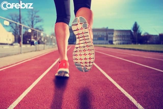 Các nhà khoa học khẳng định mỗi giờ chạy bộ có thể tăng 7 giờ tuổi thọ và kéo dài sự sống thêm 3 năm - Ảnh 2.