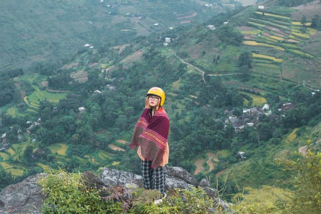 Nhật ký hành trình tới Hà Giang của cô gái yêu du lịch bụi: Làng Thiên Hương như một ngôi làng cổ tích, Du Già đẹp mê ly! - Ảnh 1.