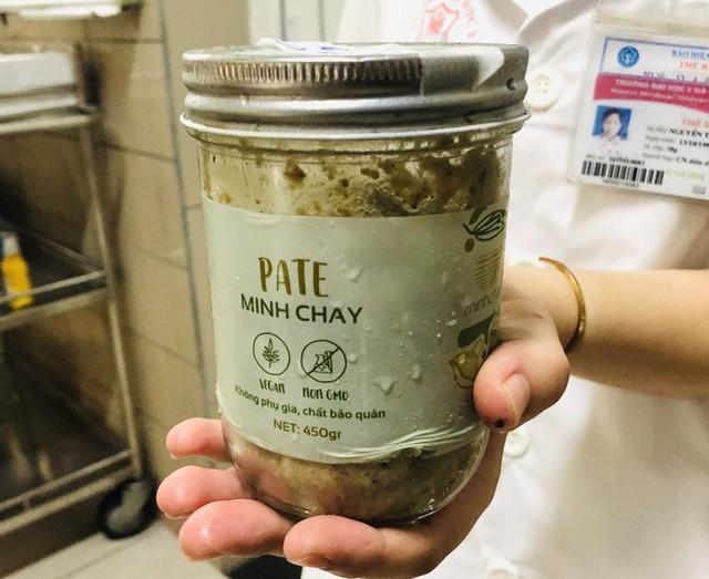 Thêm 24 người ăn pate Minh Chay có dấu hiệu bất thường  - Ảnh 1.