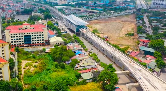 Flycam: Toàn cảnh tuyến đường sắt trên cao Nhổn - ga Hà Nội sắp đi vào hoạt động - Ảnh 3.
