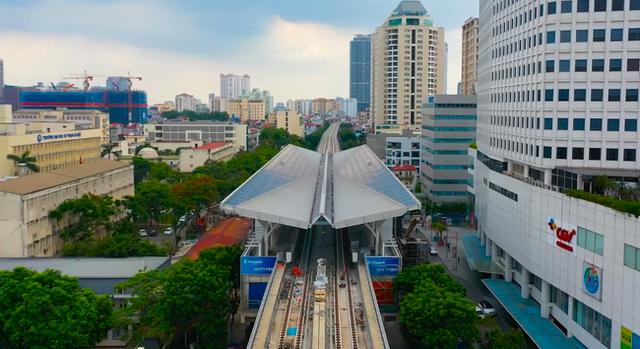 Flycam: Toàn cảnh tuyến đường sắt trên cao Nhổn - ga Hà Nội sắp đi vào hoạt động - Ảnh 5.