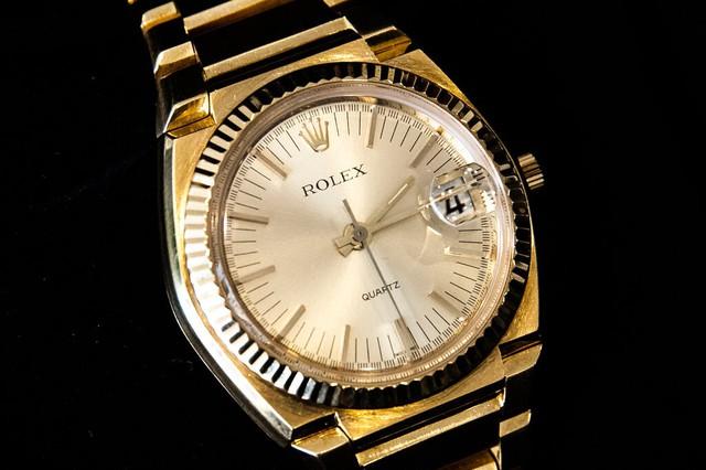 Với cách này, mặc dù bạn không thể mua được những chiếc túi Hermes Birkin xa xỉ hay chiếc đồng hồ Rolex mơ ước, bạn vẫn có thể sở hữu chúng - Ảnh 4.