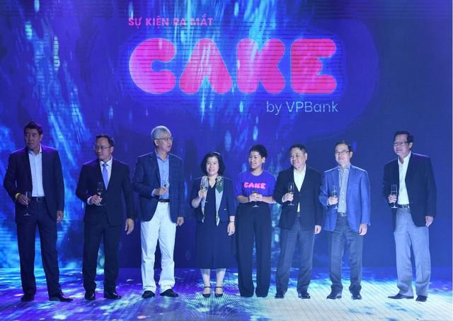 Be Group ra mắt Ngân hàng số Cake, tích hợp thẳng vào app gọi xe be, nhanh chân đi trước Grab, Go-Jek... trên sân chơi fintech - Ảnh 1.