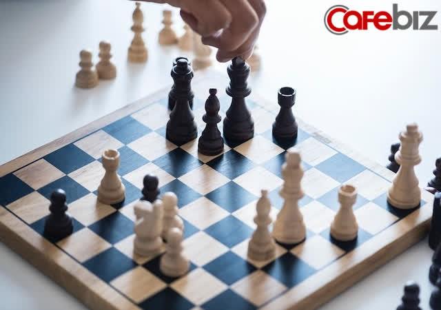 Kỳ thủ cờ vua bỏ học năm 14 tuổi trở thành tỷ phú trẻ nhất Ấn Độ nhờ áp dụng quy tắc trên bàn cờ - Ảnh 3.