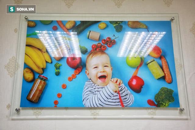 Bức tranh trẻ con lạ lùng trong căn phòng của Phó Tổng Giám đốc Saigon Foods - Ảnh 5.