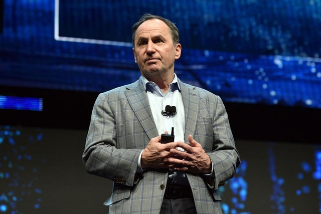 Trước sức ép từ đối thủ và cổ đông, Intel sẽ thay CEO vào tháng tới - Ảnh 2.