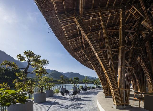 Kiến trúc choáng ngợp của nhà hàng tại rừng Cúc Phương: 100% bằng tre, mái vòm nguy nga như lâu đài - Ảnh 9.