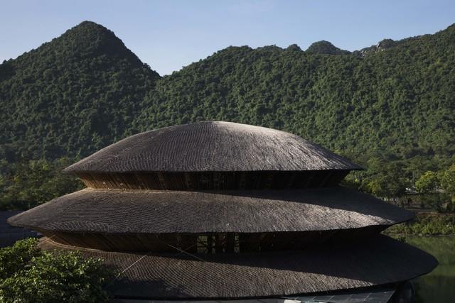 Kiến trúc choáng ngợp của nhà hàng tại rừng Cúc Phương: 100% bằng tre, mái vòm nguy nga như lâu đài - Ảnh 2.