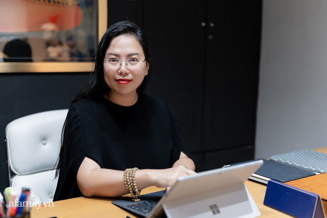"""Ái Thủy - nữ kiến trúc sư tạo nên cây Cầu Vàng """"made in Vietnam"""" làm kinh ngạc khắp thế giới và lần đầu nghe kể về ý nghĩa thật sự của đôi bàn tay khổng lồ - Ảnh 2."""
