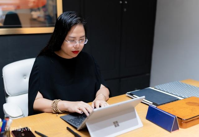 """Ái Thủy - nữ kiến trúc sư tạo nên cây Cầu Vàng """"made in Vietnam"""" làm kinh ngạc khắp thế giới và lần đầu nghe kể về ý nghĩa thật sự của đôi bàn tay khổng lồ - Ảnh 21."""