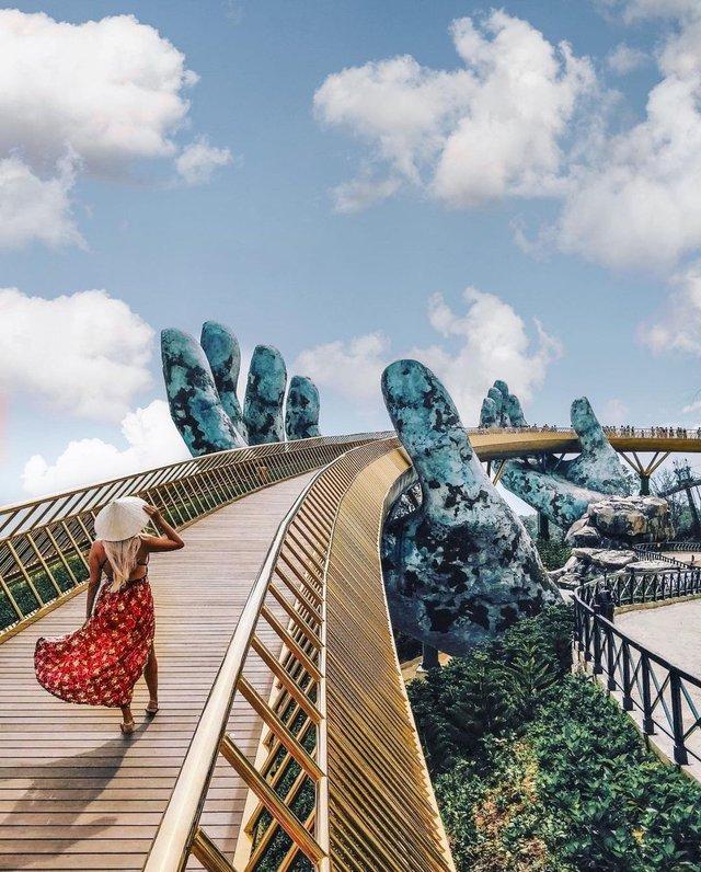 """Ái Thủy - nữ kiến trúc sư tạo nên cây Cầu Vàng """"made in Vietnam"""" làm kinh ngạc khắp thế giới và lần đầu nghe kể về ý nghĩa thật sự của đôi bàn tay khổng lồ - Ảnh 6."""