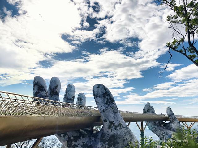 """Ái Thủy - nữ kiến trúc sư tạo nên cây Cầu Vàng """"made in Vietnam"""" làm kinh ngạc khắp thế giới và lần đầu nghe kể về ý nghĩa thật sự của đôi bàn tay khổng lồ - Ảnh 9."""