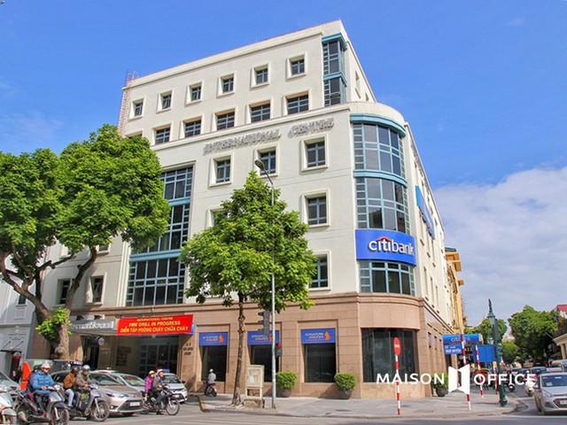 Tòa nhà văn phòng đắt nhất Hà Nội: Giá thuê từ vài trăm triệu đến nửa tỷ đồng mỗi tháng, sang chảnh như khách sạn 5 sao dù tuổi đời 26 năm - Ảnh 1.