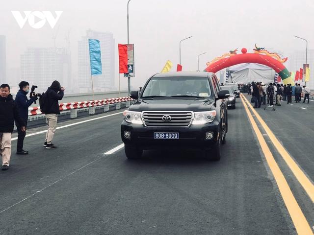 """Cầu Thăng Long được bảo vệ như thế nào trước """"hung thần"""" xe quá tải?  - Ảnh 1."""
