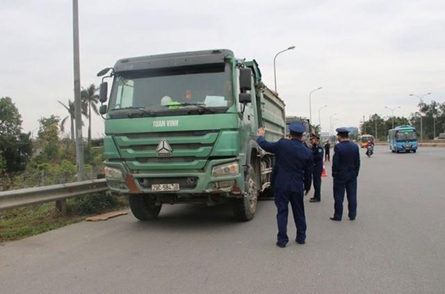 """Cầu Thăng Long được bảo vệ như thế nào trước """"hung thần"""" xe quá tải?  - Ảnh 2."""