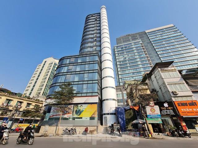 Hà Nội xử cao ốc biến văn phòng thành căn hộ khách sạn không phép - Ảnh 2.