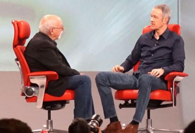 Đây là nhân vật số 2 ở Apple: Mức lương đã vượt cả Tim Cook, được dự đoán sẽ trở thành CEO kế nhiệm - Ảnh 2.