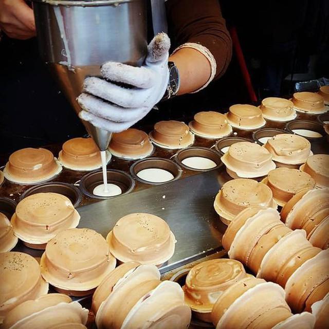 Cửa hàng nhỏ, vị trí xấu, tiền vốn ít nhưng ông chủ quán bánh nướng nghèo vẫn kiếm bộn tiền nhờ dùng Nguyên lí thùng gỗ  - Ảnh 1.