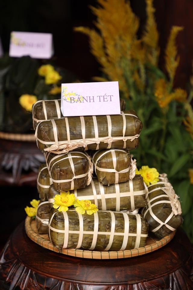 Bánh chưng, gà nướng Gia Lai hút người Sài Gòn ngày cận Tết - Ảnh 4.