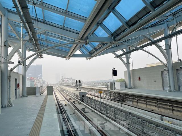 Nội thất hiện đại của tàu tuyến metro Nhổn - ga Hà Nội - Ảnh 11.
