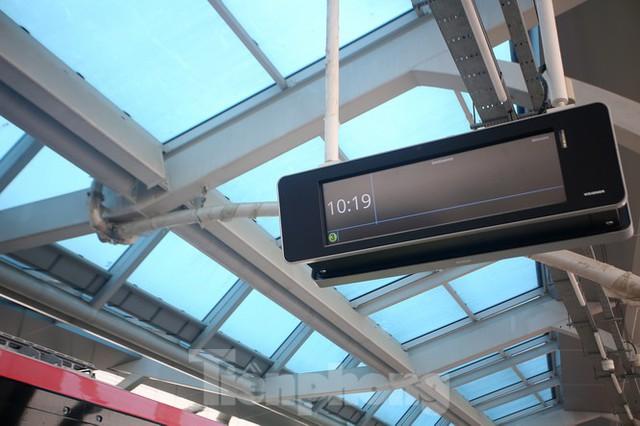 Nội thất hiện đại của tàu tuyến metro Nhổn - ga Hà Nội - Ảnh 10.