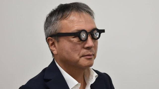Công ty Nhật Bản công bố loại kính thông minh chữa được bệnh cận thị, cuối năm nay sẽ bán cho thị trường Châu Á - Ảnh 1.