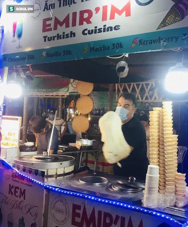 Chán Dubai buồn tẻ, người đàn ông nước ngoài đến Việt Nam bán kem vỉa hè - Ảnh 5.