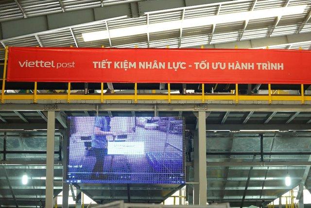 Trung tâm logistics miền Nam của Viettel Post: Băng chuyền chia chọn công suất lớn nhất Việt Nam, tối ưu 91% nhân lực, sai sót gần như bằng 0 - Ảnh 12.