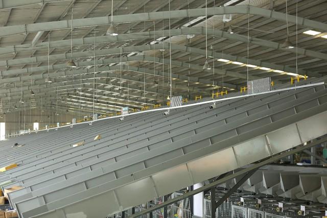 Trung tâm logistics miền Nam của Viettel Post: Băng chuyền chia chọn công suất lớn nhất Việt Nam, tối ưu 91% nhân lực, sai sót gần như bằng 0 - Ảnh 14.