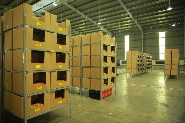 Trung tâm logistics miền Nam của Viettel Post: Băng chuyền chia chọn công suất lớn nhất Việt Nam, tối ưu 91% nhân lực, sai sót gần như bằng 0 - Ảnh 16.