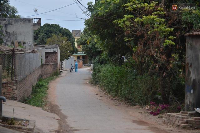 Ảnh: Phong tỏa 1 thôn ở Hải Dương, giãn cách xã hội 1 xã liên quan đến nữ công nhân dương tính Covid-19 - Ảnh 6.