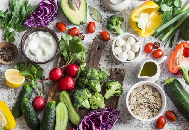 Người Việt ăn quá nhiều thịt, gấp đôi gấp ba người Nhật: Chuyên gia chỉ ra những nguy cơ - Ảnh 2.