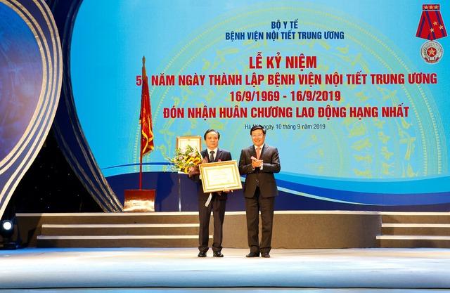 Gặp mặt vị bác sĩ đặt dấu ấn Việt trên bản đồ y khoa thế giới - Ảnh 8.