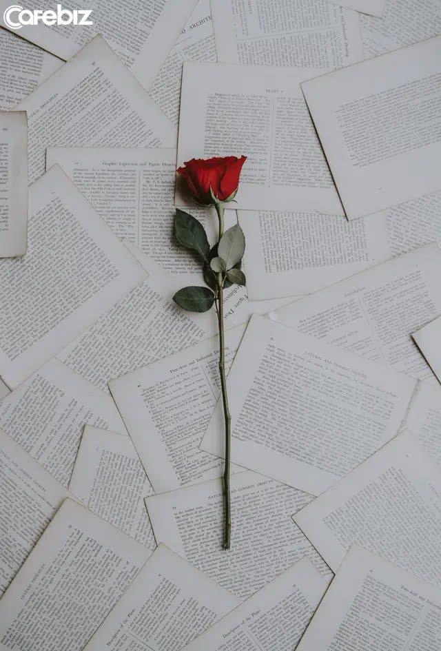 20 sự thật về tình yêu mà chúng ta đều biết quá muộn: Đừng đặt quá nhiều kỳ vọng vào một người và nghĩ rằng bạn có thể thay đổi họ - Ảnh 2.