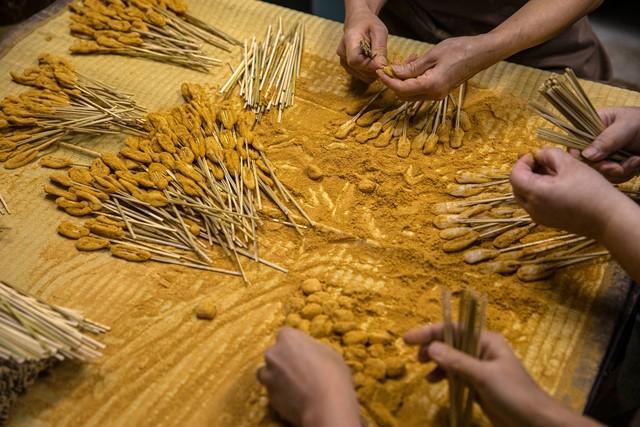 Chúng tôi tiếp tục - Bài học từ tiệm bánh mochi Nhật hơn 1.000 năm tuổi dành cho bất cứ doanh chủ nào đang muốn buông xuôi vì Covid-19 - Ảnh 3.