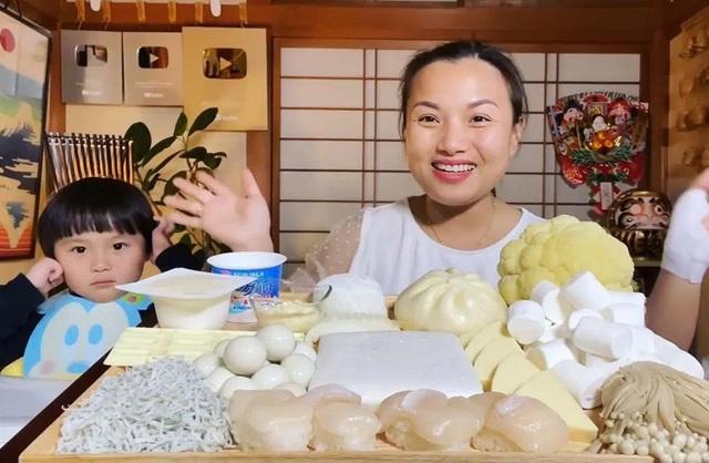 Độc quyền: Quỳnh Trần JP chia sẻ nhiều điều ứa nước mắt phía sau tin vui tích cóp đủ tiền mua được nhà từ nghề Youtuber và là nhân vật vinh dự được chính phủ Nhật mời ghi hình  - Ảnh 1.