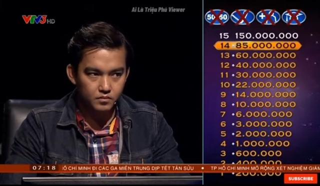 Người đầu tiên trong lịch sử Ai Là Triệu Phú trả lời sai câu hỏi thứ 15 nhưng phản ứng của anh mới là điều giáo sư Xoay choáng! Đó là ai? - Ảnh 2.