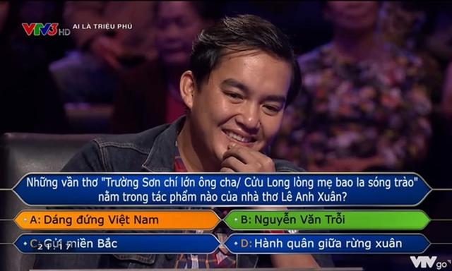 Người đầu tiên trong lịch sử Ai Là Triệu Phú trả lời sai câu hỏi thứ 15 nhưng phản ứng của anh mới là điều giáo sư Xoay choáng! Đó là ai? - Ảnh 1.
