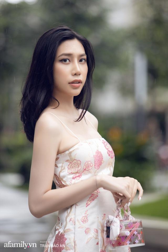 Khánh Vân - Vlogger lần đầu thừa nhận thân thế là ái nữ của chủ tịch tập đoàn sở hữu chuỗi bánh mì BreadTalk Việt Nam, và hành trình sang Thái chuyển giới với chi phí khủng - Ảnh 1.