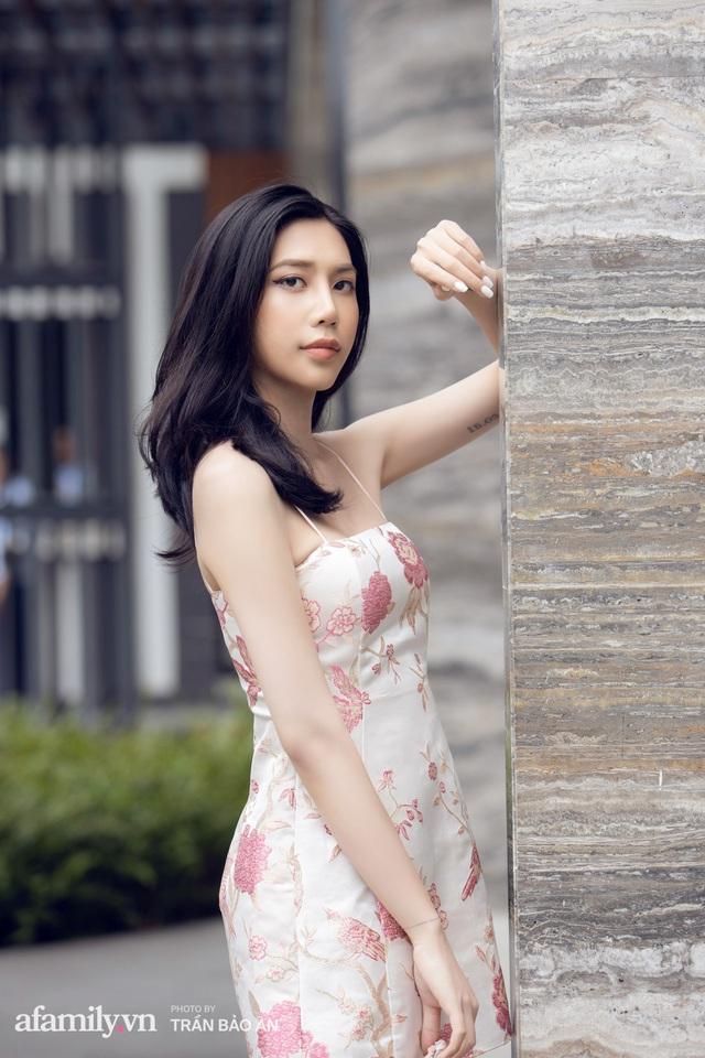 Khánh Vân - Vlogger lần đầu thừa nhận thân thế là ái nữ của chủ tịch tập đoàn sở hữu chuỗi bánh mì BreadTalk Việt Nam, và hành trình sang Thái chuyển giới với chi phí khủng - Ảnh 3.
