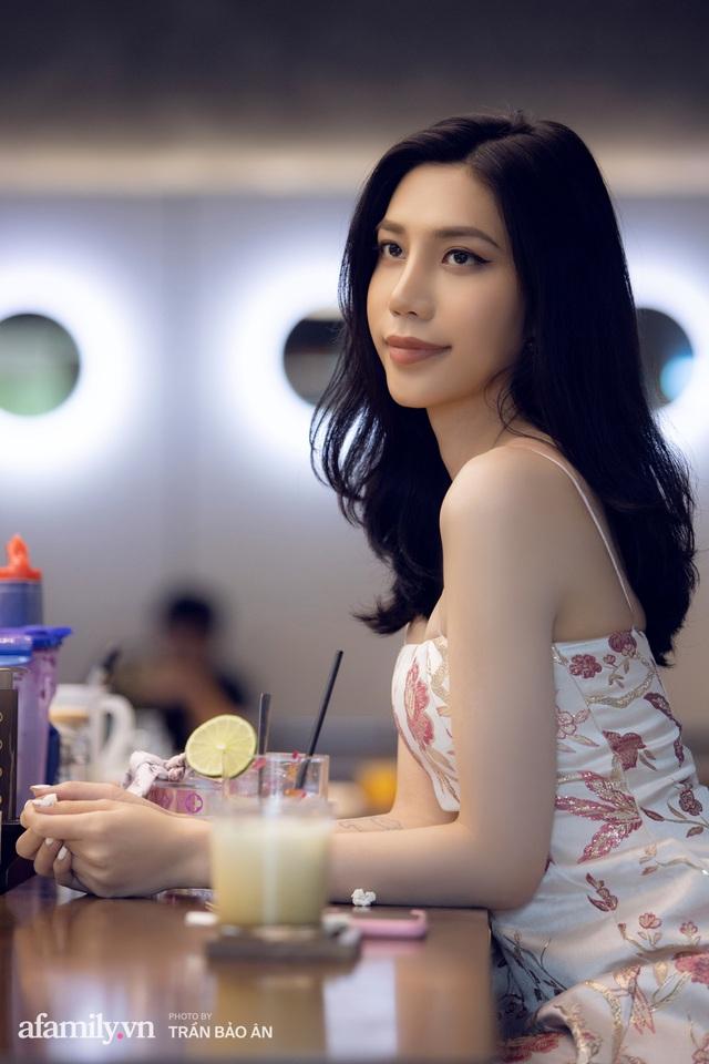 Khánh Vân - Vlogger lần đầu thừa nhận thân thế là ái nữ của chủ tịch tập đoàn sở hữu chuỗi bánh mì BreadTalk Việt Nam, và hành trình sang Thái chuyển giới với chi phí khủng - Ảnh 8.
