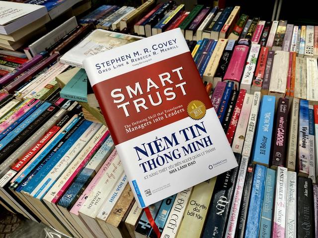 Thăng tiến sự nghiệp nhờ đọc sách: 5 cuốn sách giúp bạn trở thành người sếp tốt hơn trong năm 2021  - Ảnh 4.