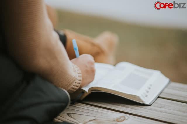 Có 3 hiện tượng nếu xuất hiện, có nghĩa là đã đến lúc bạn nên đọc sách - Ảnh 2.